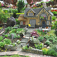 ... Large Scale Miniature Garden. Balance Underfoot Cottage
