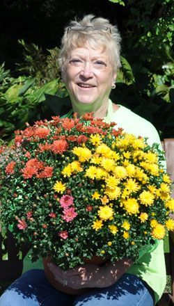 Donna with Annual Mums